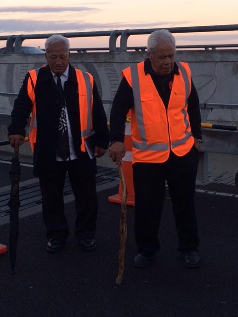 Bob Hawke, Ngati Whatua o Orakei (L) and Bobby Clarke, Te Aki Tai